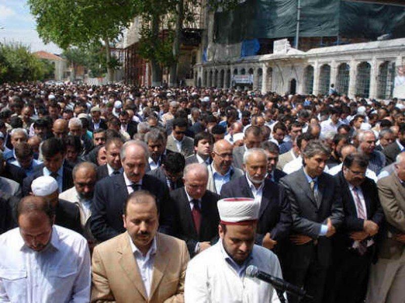 İstanbul'da gıyabi cenaze namazı